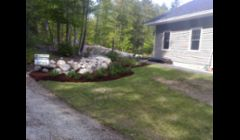 We offer spring and fall clean ups and edging & mulching services.