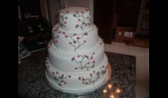 Marine Red Floral Vine Wedding Cake